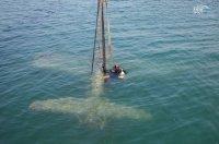 В Керченском проливе подняли самолет времен Второй мировой войны