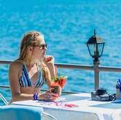 Лучшие отели Алушты с собственным пляжем и бассейном
