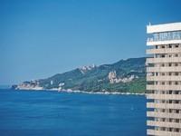 Отели Ялты с бассейном с морской водой: описание гостиниц с ценами и контактами